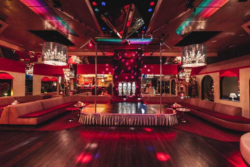 The most beautiful swingers club of Amsterdam - Club Paradise